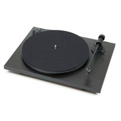 Compare Pro-Ject Debut Carbon DC
